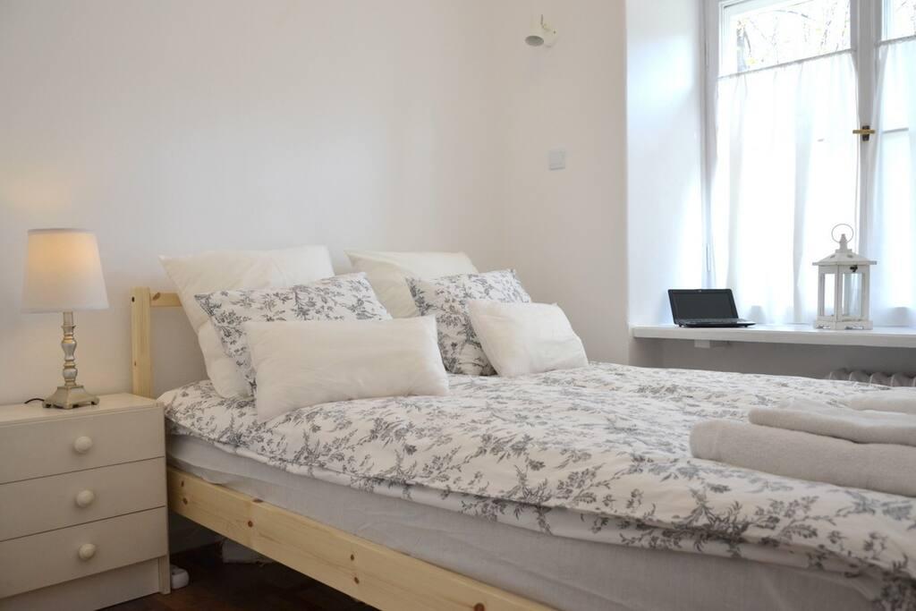 ...cozy bedroom