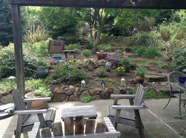 Perfect Bay Area Family Retreat - Benicia - Huis