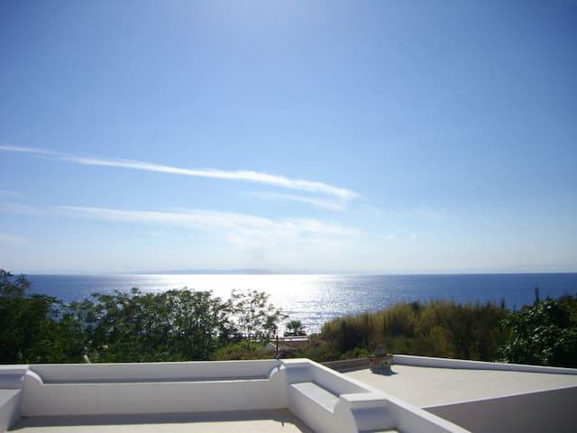 super panoramic eolian house - Stromboli - Casa
