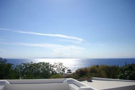 super panoramic eolian house - 斯特龙博利岛 (Stromboli) - 独立屋