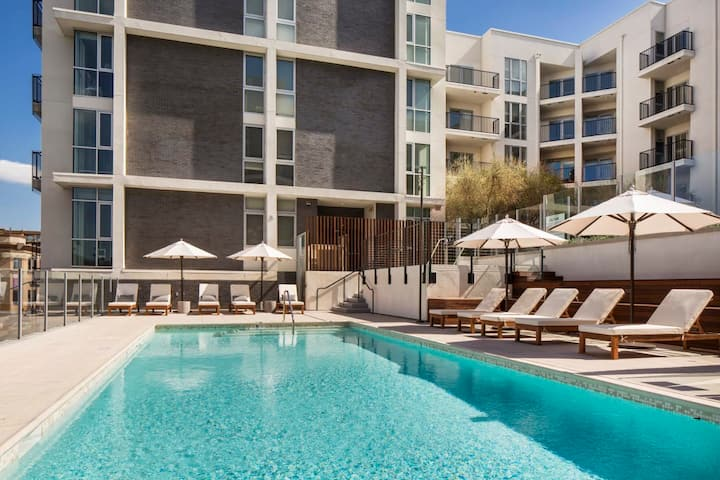 Luxury Studio Apartment East Hollywood /Los Feliz