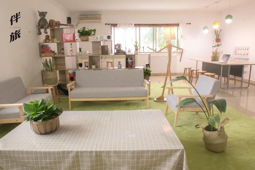 客厅(The Sitting Room)