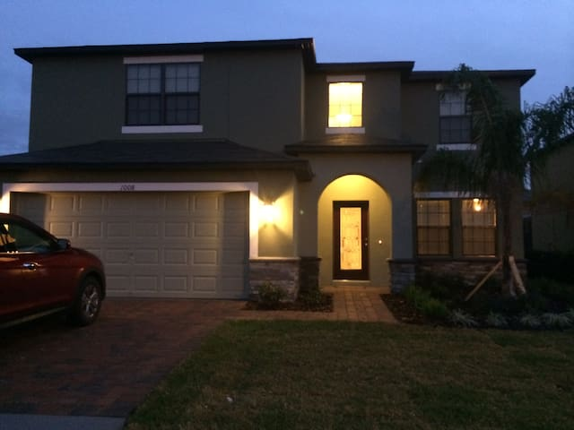 Top Rated, Gated Community, Close To Disney Parks. - Davenport - House