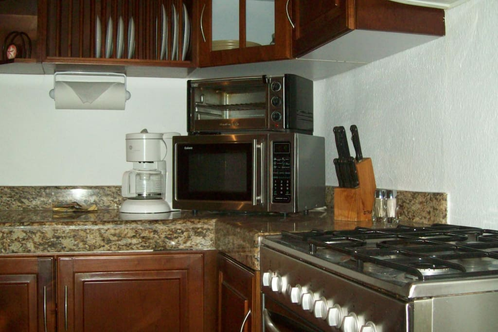 Kitchen with Granite Counter Tops & Stainless Appliances
