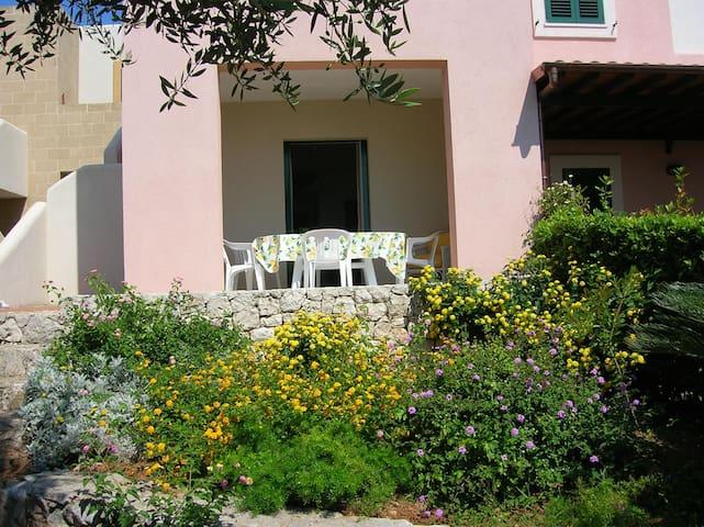 L'ulivo, casa nel verde vicino al mare