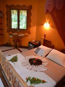 Bungalow KOAD @ Korrigan Lodge - Bed & Breakfast