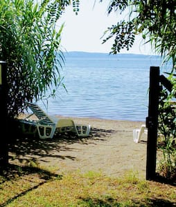 "Direkt am Ufer des Bolsenasees: ""Lago"""