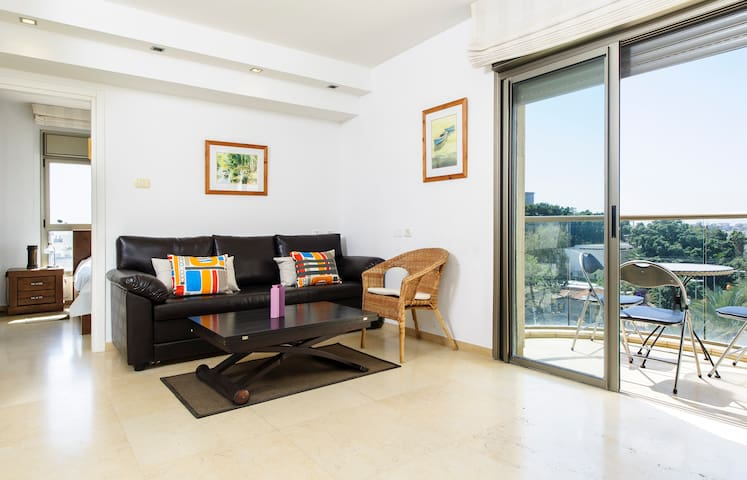 Luxury & central 1 BR #24