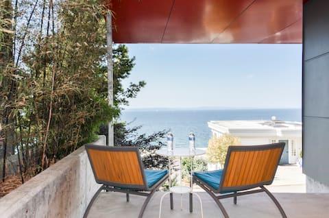 Alki Beach Studio Oasis Quiet Escape & Sweeping Ocean Views