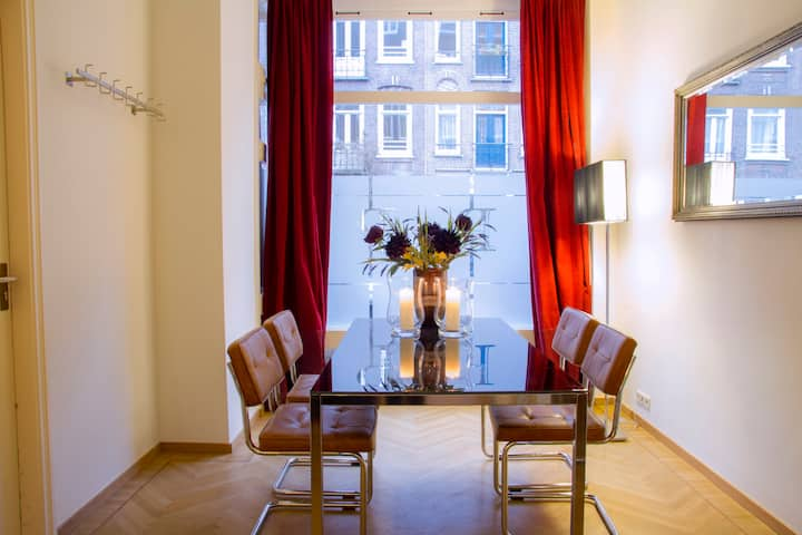 FINE STAY NEAR MUSEUMS & PARC ! 4 adults or family