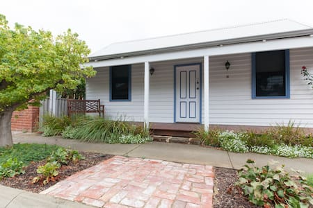"Cottage by the Beach- ""Sea Change"" - South Fremantle - Dom"