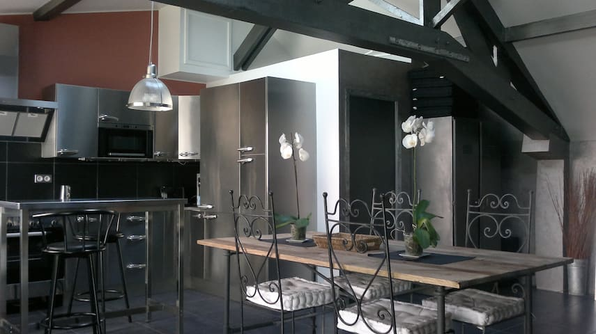 Loft 56m2 fully equiped, 12mn from Parc des Expos