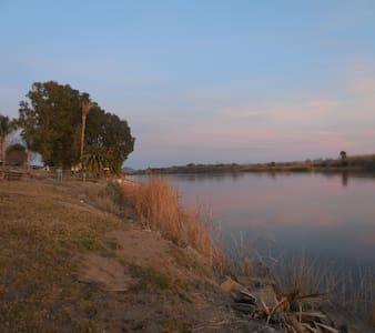 Colorado River - Waterfront Big River/Parker Home