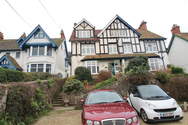 Hurlestone Apartment, Porlock | Sleeps 2