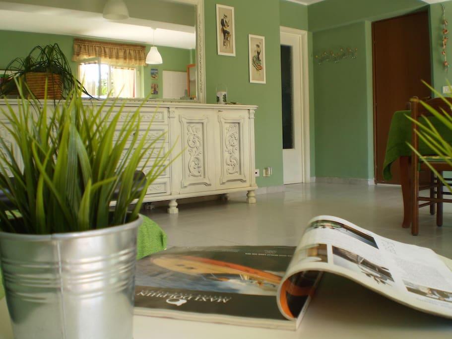 Casa mango apartments for rent in letojanni messina italy for Avvolgere completamente intorno case di log portico