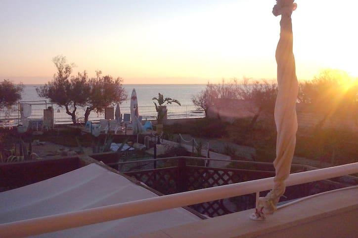 waterfront2AdriaticSea-studioBeach - Mola di Bari - Villa