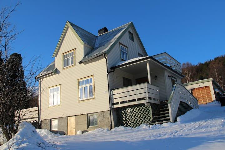 Lyngen Home