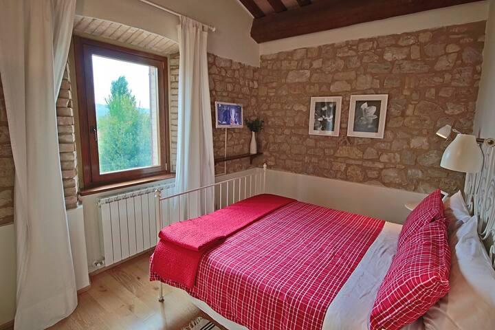 Apartamento magnifico en casa de campo cerca de Foligno y Montefalco