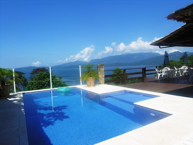 MAGNIFICENT HOUSE IN ANGRA (4 Suites) + LANCHA&JET