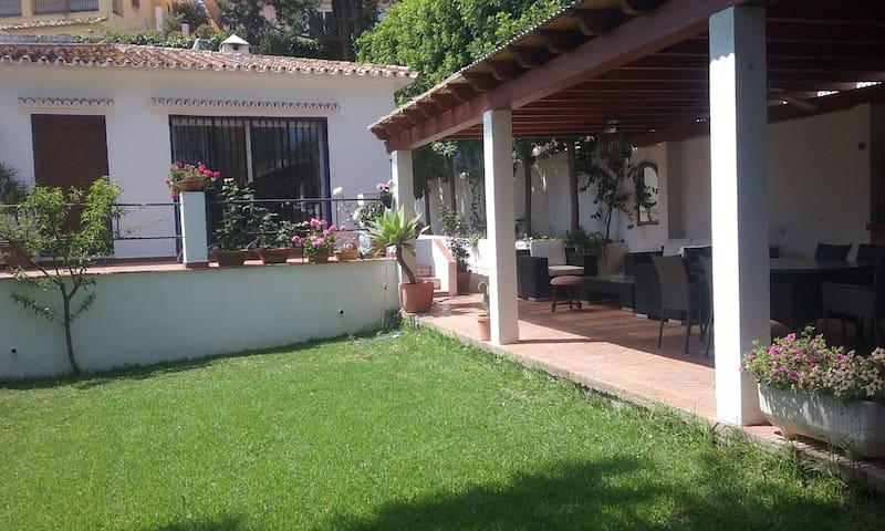 Casa a 5 min. playa, P. Banús y 5 campos de golf - Marbella - Casa