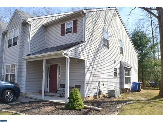 Nice home near Rowan University - Glassboro - Huis