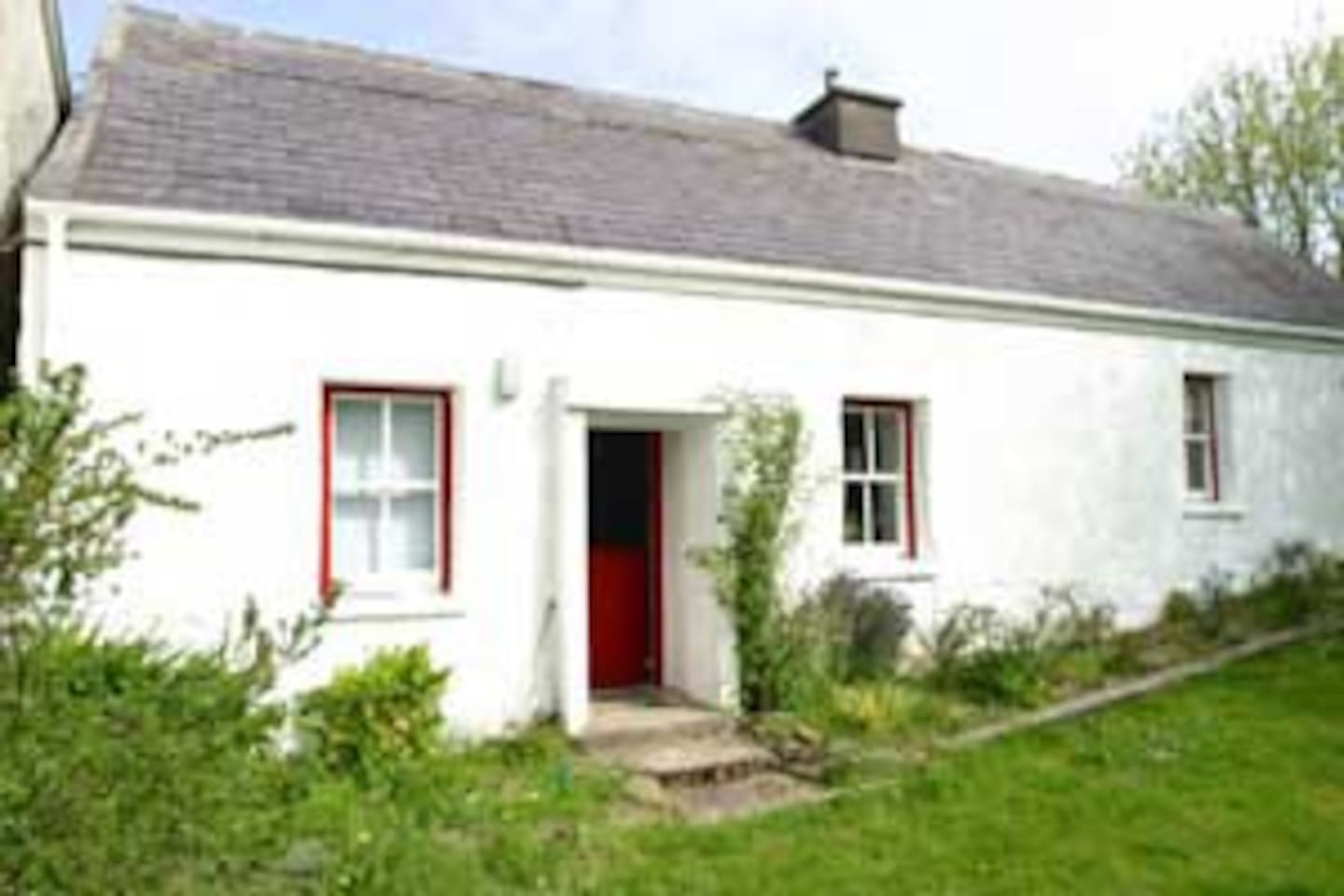 200 year old traditional Irish cottage, as authentic as it comes - plus central heating!