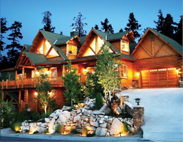 Mountain Villa - Experience the Grandeur