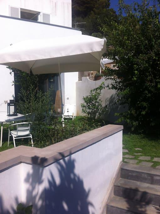 Capri casa con giardino case in affitto a capri campania italia - Casa con giardino milano ...