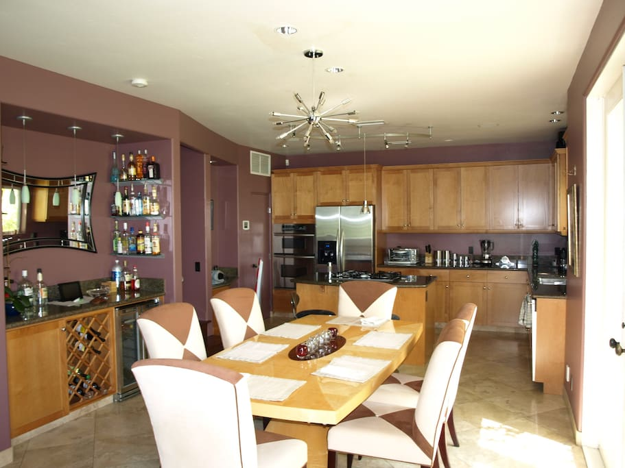 Common area dining room with full kitchen