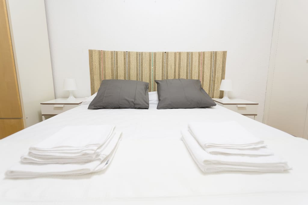 Habitación 1 ( cama 160x190cm y colchón supletorio 90x180cm)