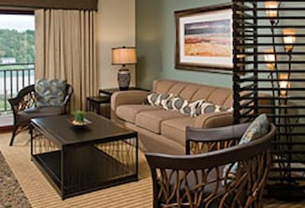 Wyndham Great Smokies Lodge 2 Bedroom Deluxe Suite - Sevierville - Apartament