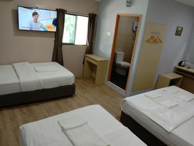 Unikarya Lodge 友家客栈217(普通家庭:带独立洗手间,建议4大2小)