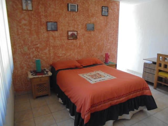 Amplia e agradable habitacion de 17 m2