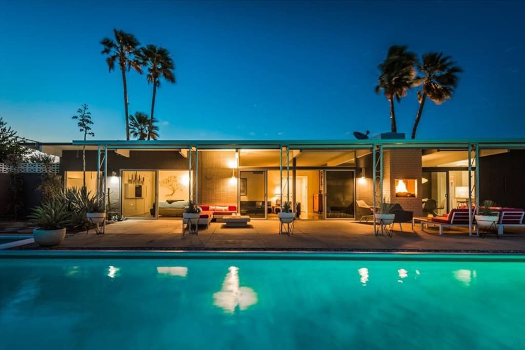 Mid Century Modern architecture... warm nights spent floating in the pool looking for shooting stars.... this is a vacation home and an experience all in one.