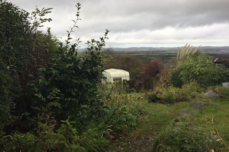 Cosy caravan with spectacular views... - Rhiwlas