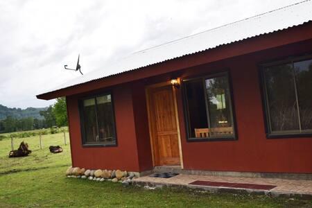 (Casa 1)vive en el campo y a 15 km de villarica