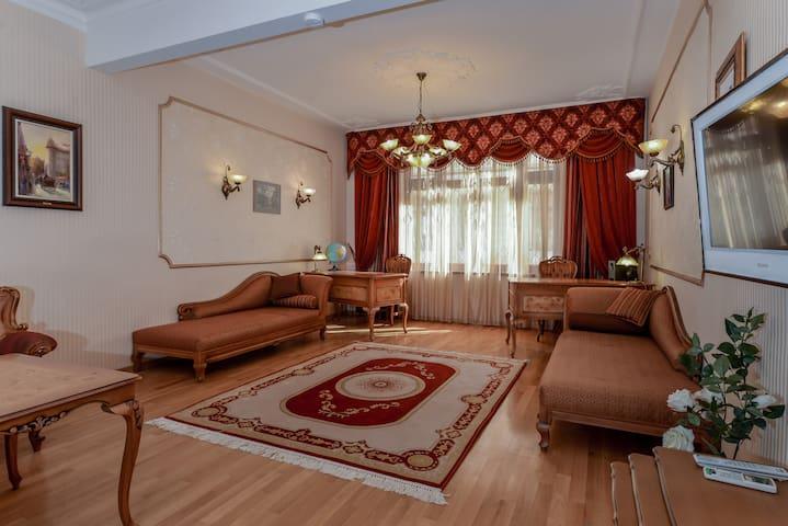 Aristocratic Sofia - Alexander Nevsky Studio