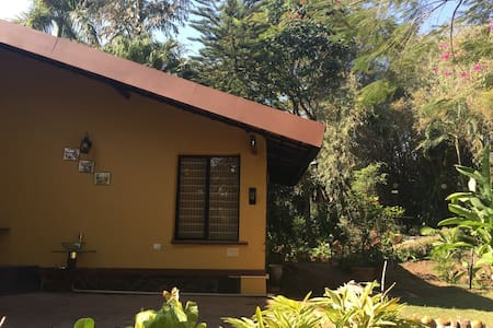Shalom  , your home in the forest - Lonavala - Bungalow