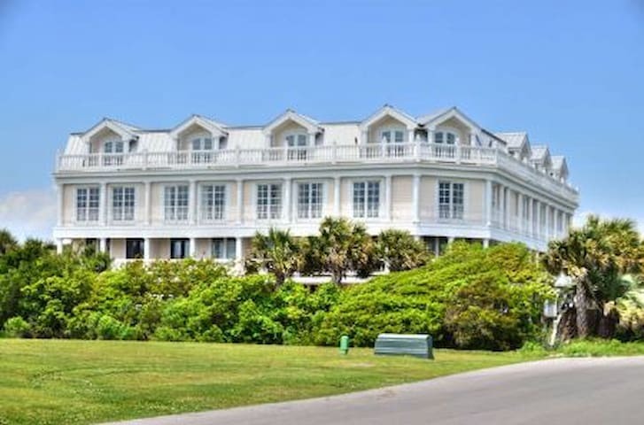 Eden Cove #8-4BR/4BA Town Home with Gorgeous View of the Ocean&Luxury Pool
