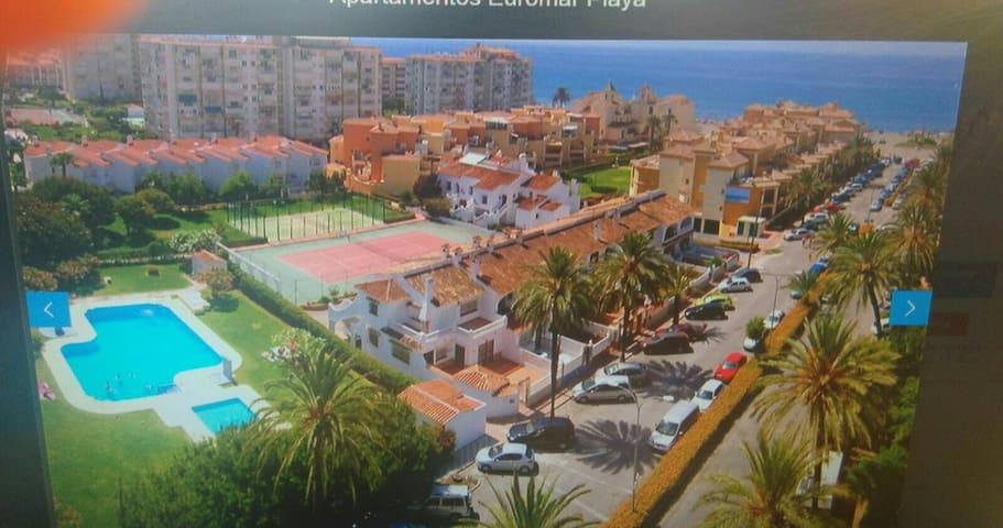 Casa 50m playa,piscina,tenis,padel,paseo maritimo. - Torrox - House