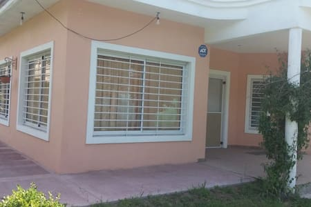 Casa quinta Moderna en zona Cañuelas!