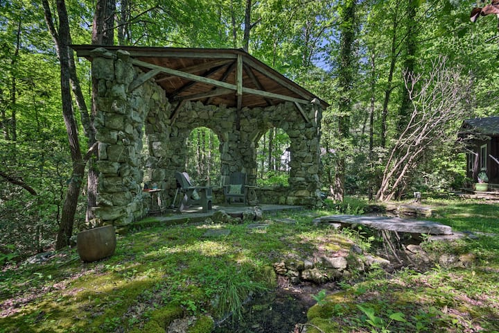 Charming Home ~4 Mi to Sapphire Valley Resort