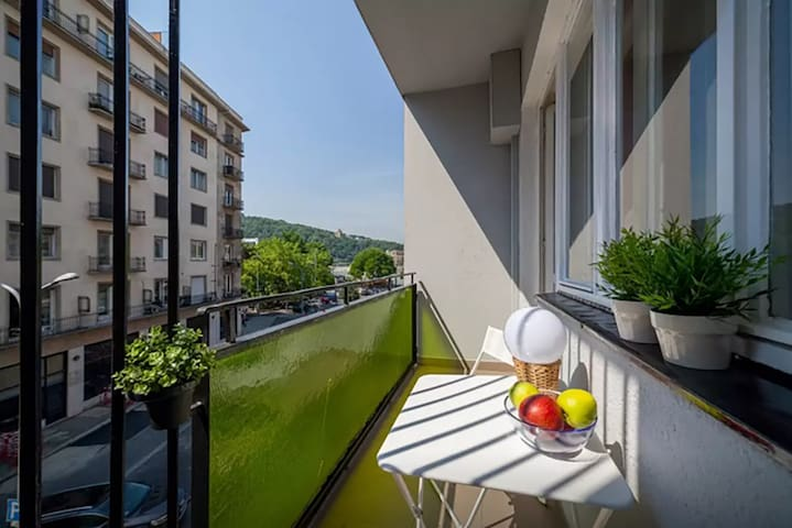 Riverview Downtown Studio with Balcony - Budapest - Apartemen