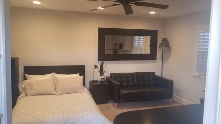 Cozy Modern Studio with Fireplace