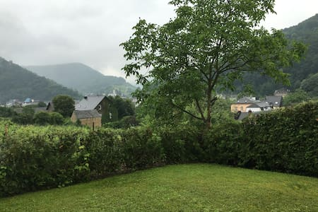 Modern, Updated Apartment with Wonderful View - Traben-Trarbach - Byt
