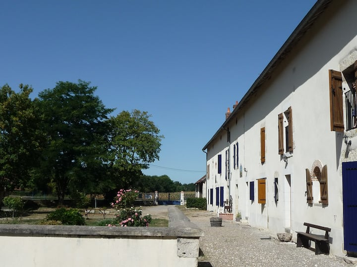 """Lodge """"On a swift's wing"""" - Briare"""