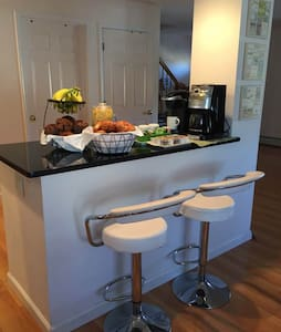 Clean, Spacious Lodging Room for 4 people! - 팰리세이즈파크(Palisades Park)