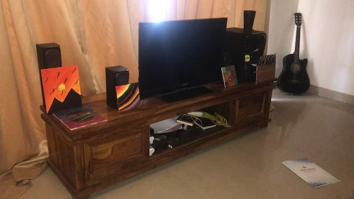 Beautiful 3 Bhk Furnished Apartment on the Hills