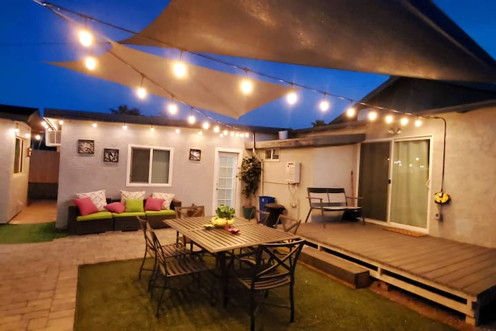 Central Phoenix Casita w/ Beautiful Patio (Unit B)