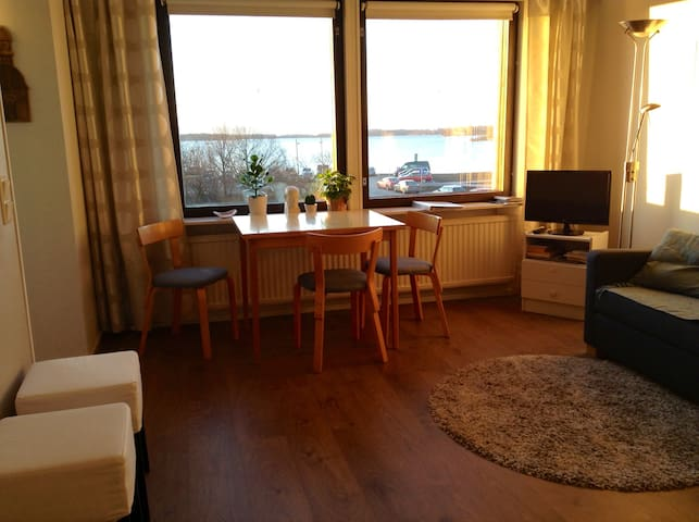 Sauna, Sea view studio, Inner City - Helsinque - Apartamento